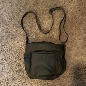 Lululemon small green purse with pockets